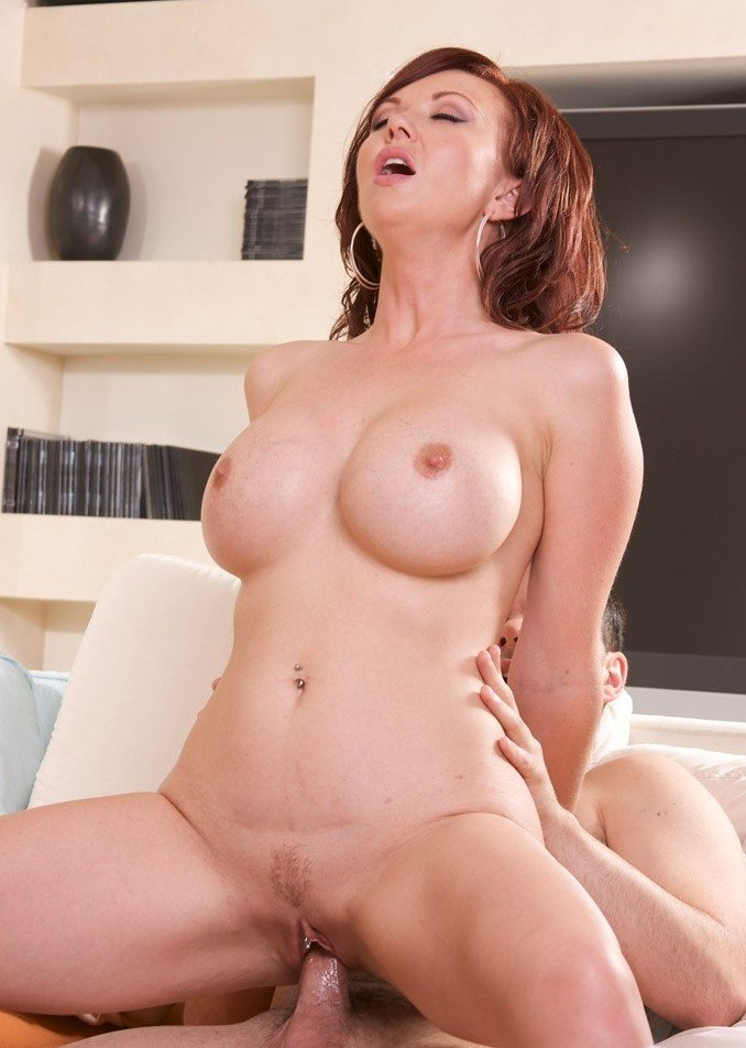 Vedder recommend Lola reve pussy